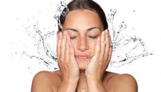 Wie funktioniert wasserfestes Make-up?
