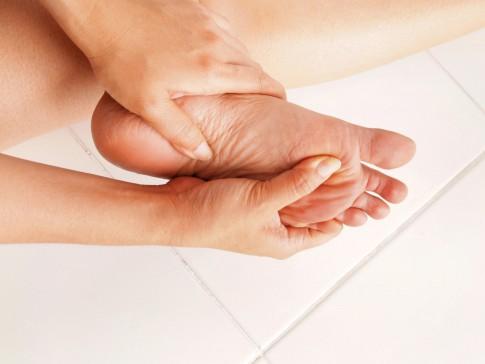 Wie Diabetiker ihre Füße pflegen