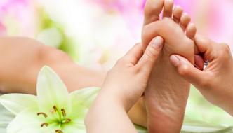 Verschiedene Massagetechniken kurz vorgestellt: Fußreflex und Ayurveda