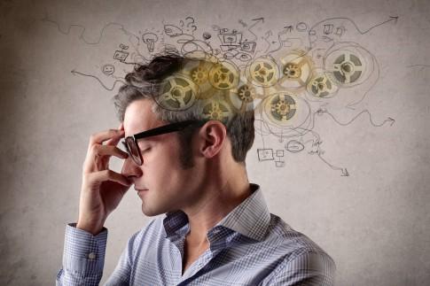 Wie man das eigene Gehirn mit diesen 5 Übungen auf Trab hält