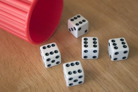 Kniffel – Regeln, Anleitung und online spielen