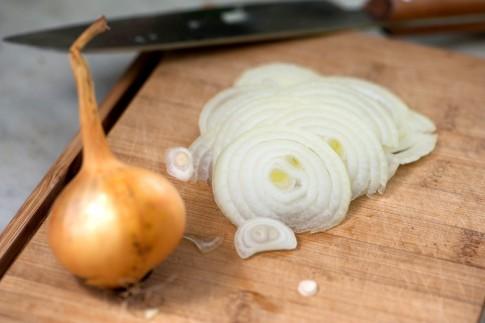 Zwiebeln schneiden ohne Tränen