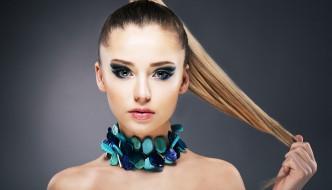 Haarspitzen färben - in den Farbtopf gefallen