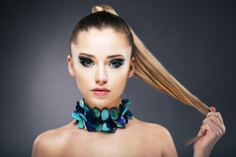 Haarspitzen färben – in den Farbtopf gefallen