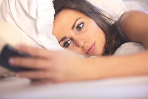 Wie Sie das Smartphone vom Schlafen abhält