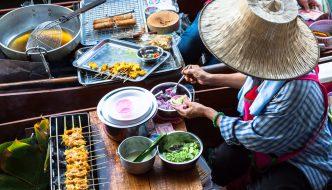 Sich unter lokale Einwohner mischen und die Kultur kennenlernen