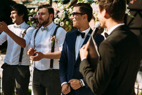 Einladung zur Hochzeit – wie der männliche Hochzeitsgast sich kleiden kann