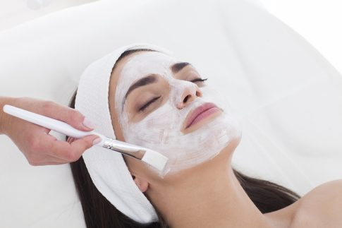 Anti-Aging – welche Produkte helfen wirklich gegen die vorzeitige Hautalterung?